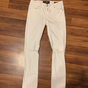 Brooks straight LUCKY BRAND white holy jeans